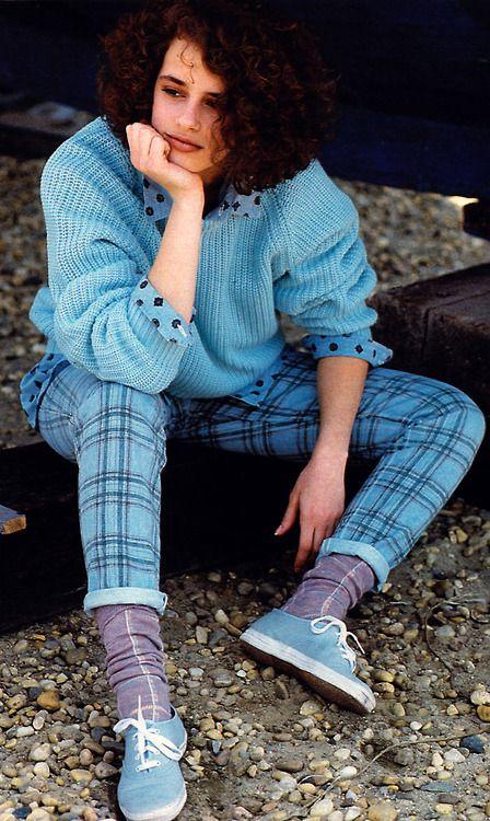 blue 80's look