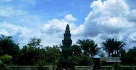 Di Barambai juga memiliki pura besar yang bernama Pura Agung Widya Natha