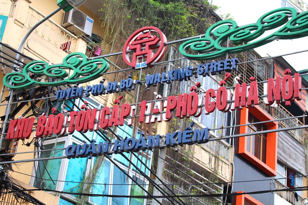Hanoi streets, Vietnam - lifestyle & travel blog