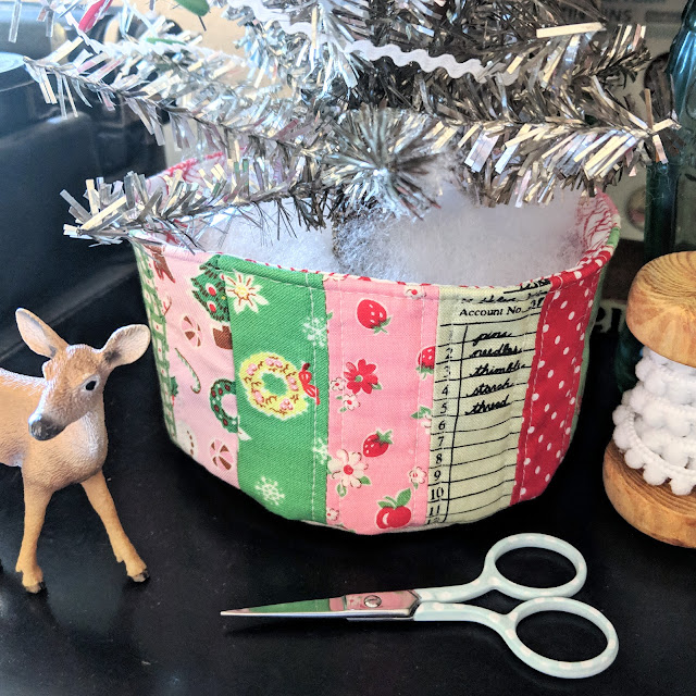 Pixie Cup for Merry Maker Tree by Heidi Staples for Fabric Mutt