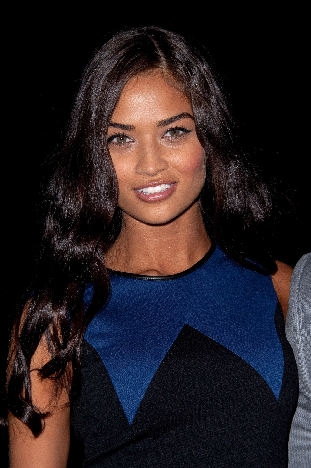 a35be0703d Shanina Shaik  Victoria s Secret Fashion Show 2011 AFTERPARTY HQ. They look  great together and I love the close up shot of her.