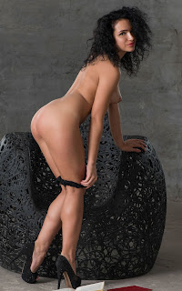 Ordinary Women Nude - Yulianna-S02-025.jpg