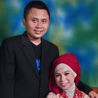 Fenny Ferawati bersama suami tercinta