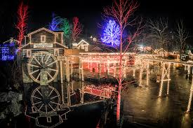 Pigeon Forge Winterfest Trolley Tour of Lights