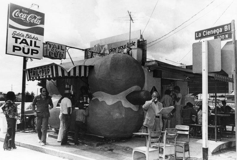 22 vintage pictures of old los angeles restaurants with for Dog hotels los angeles