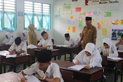 Plt. Kemenag Tanjungbalai Tinjau Langsung Proses USBN & UAMBN