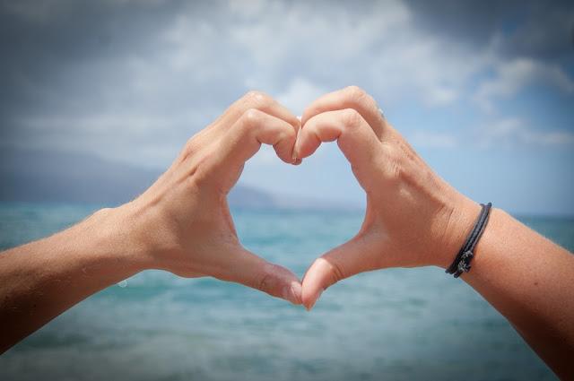 5 Tanda Anda Benar-Benar Sedang Jatuh Cinta