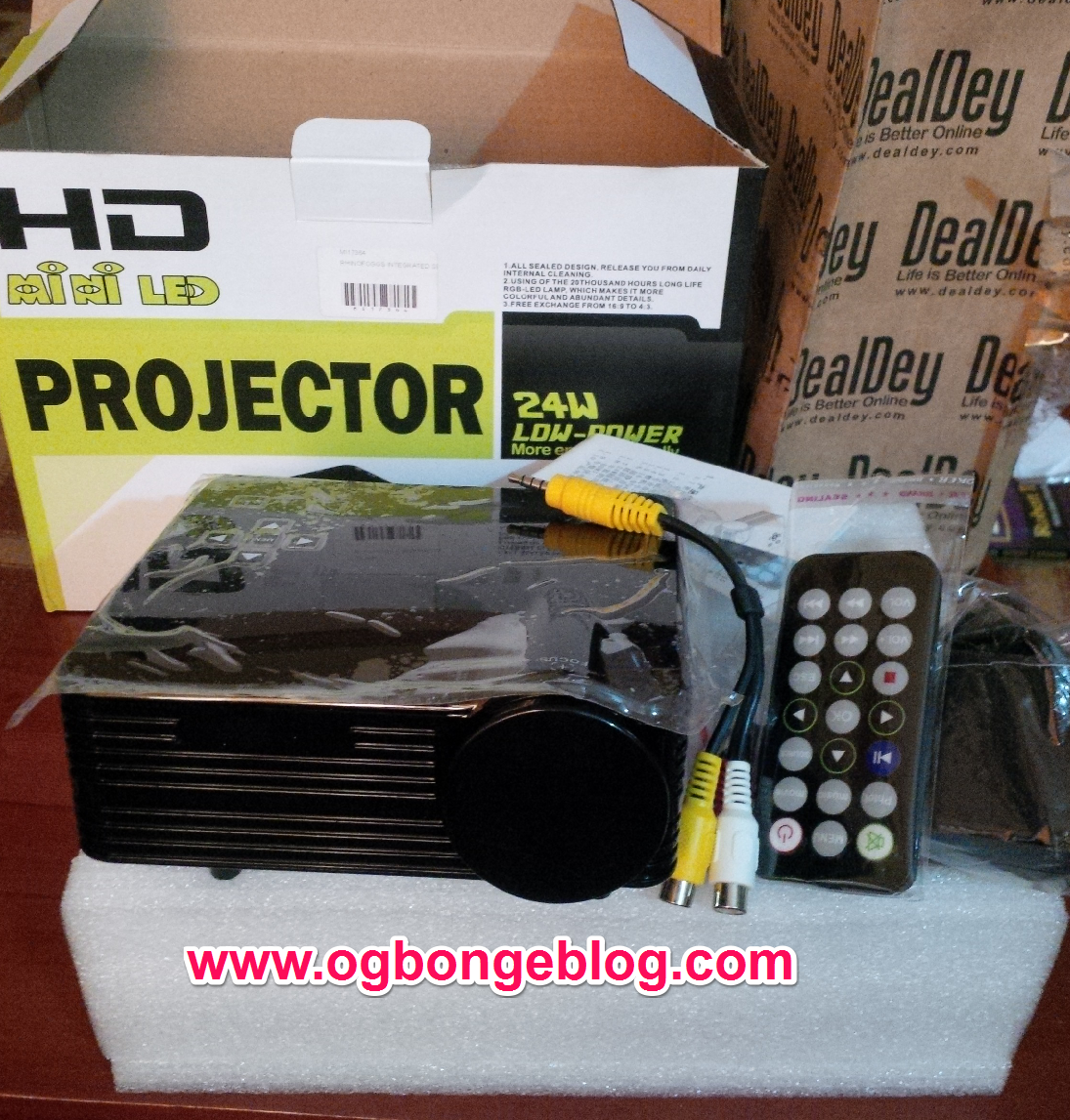 HD Mini Projector photo