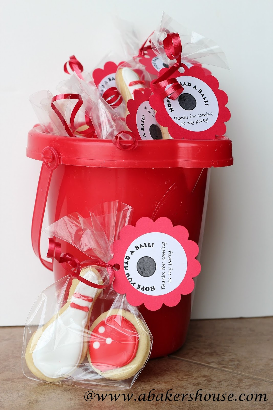 Bowling cookies party favors