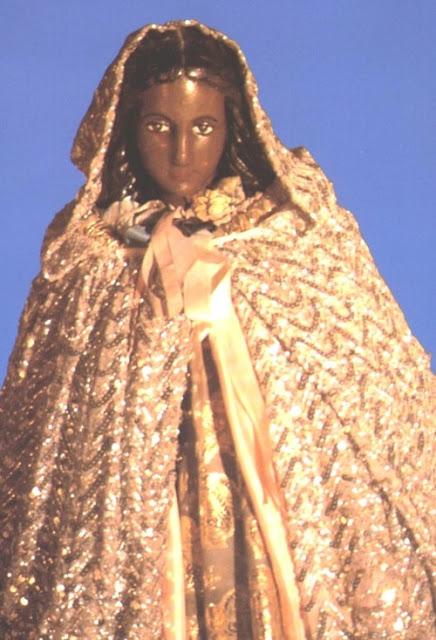 Santa Sara del Mar es la Patrona del pueblo gitano, su culto milenario ...
