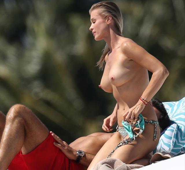 Joanna Krupa en topless