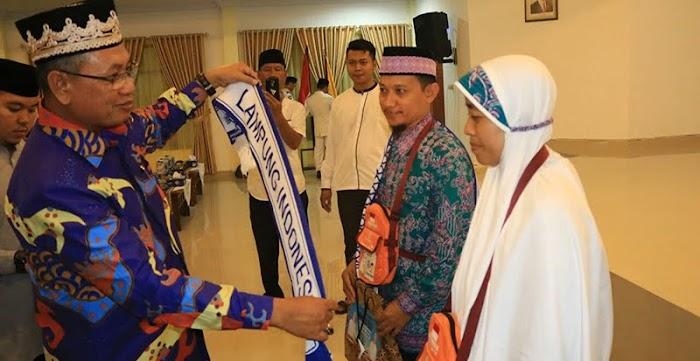 Sekprov Lepas 393 Calon Jemaah Haji Lampung