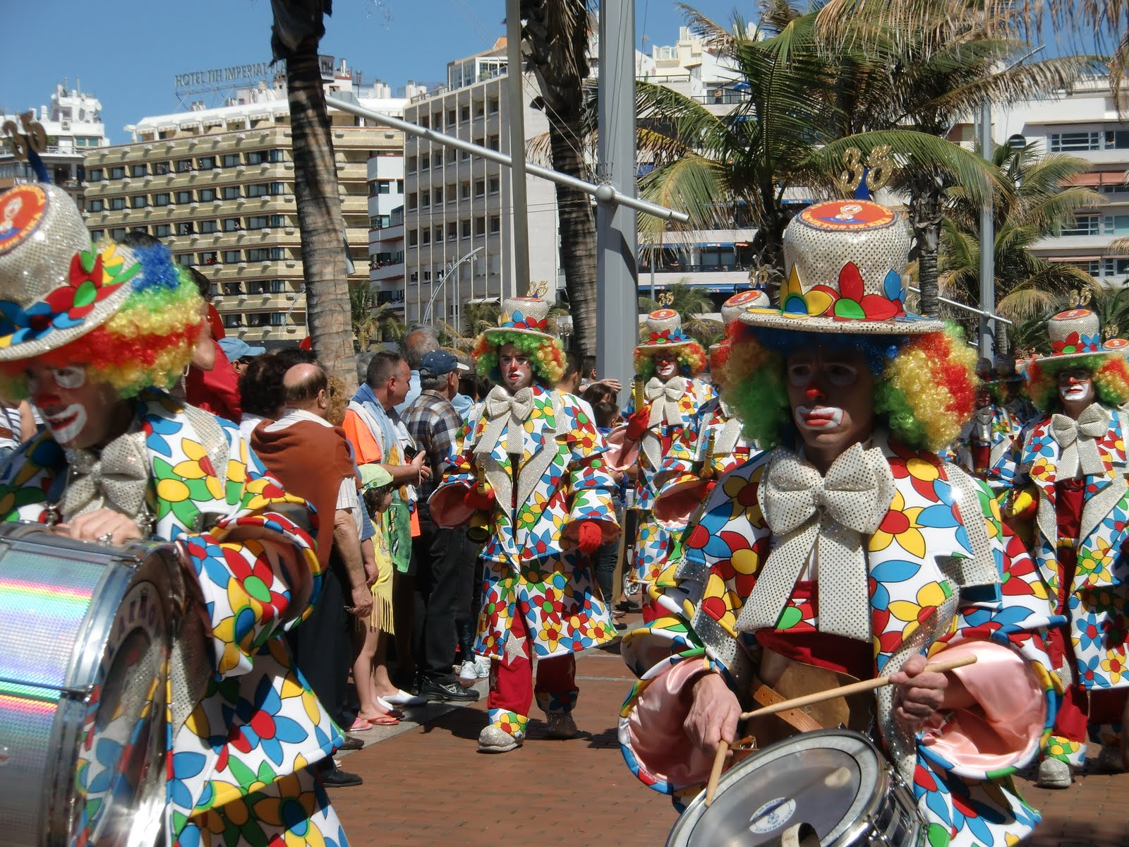 las palmas de gran canaria black singles Looking for up to x3 volunteers (singles, couples or friends) at a time to help host at guest house in las palmas de gran canaria, spain.