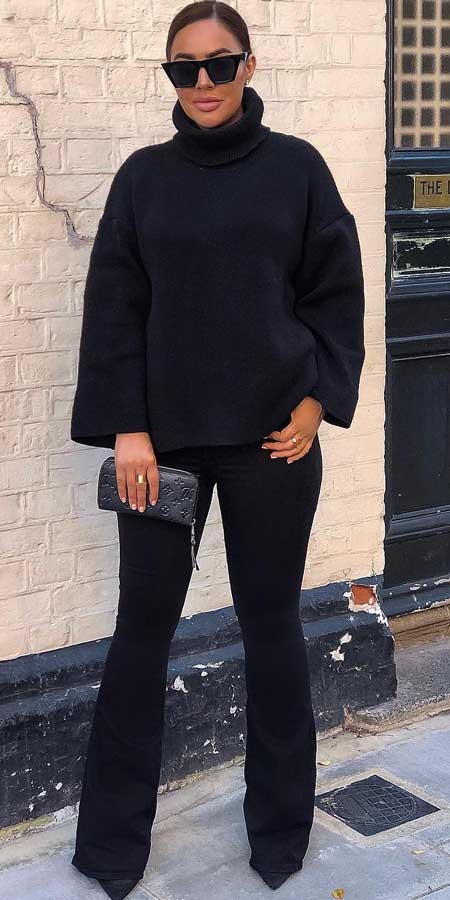 Turtleneck oversized jumper | From knited jumpers to oversized jumper. Discover these 31 Cute womens jumpers that will totally embrace you. Jumper Outfits via higiggle.com #jumper #winterwear #style #cute