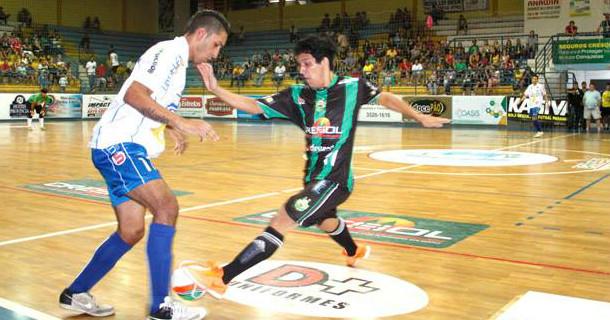 8c754e9ca8 A equipe da ADM Engenharia Vis Energy Drink Toledo Futsal confirmou a  contratação ao ala Andrew (20 anos) que na temporada passada defendeu as  cores do ...