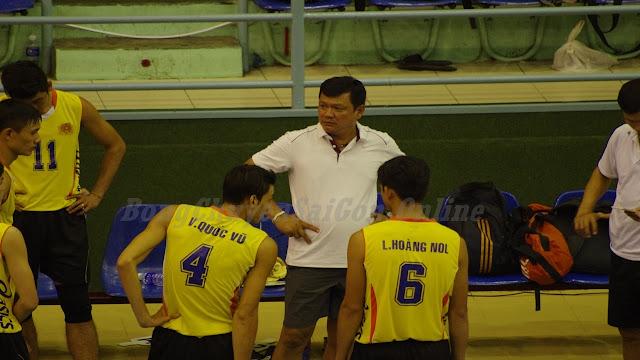 HLV Lê Hồng Hảo được tăng cường vào BHL đội hạng A - trẻ TPHCM
