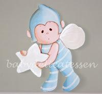 silueta de madera infantil duende con pijama babydelicatessen