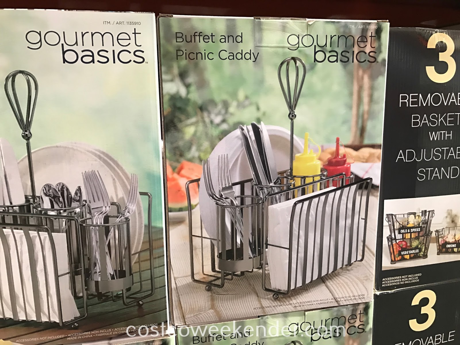 Keep cutlery, utensils, and napkins all in one place for guests with the Gourmet Basics by Mikasa Buffet and Picnic Caddy