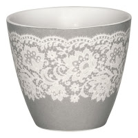 http://www.skanditrend.hu/decoration/porcelan-bogre-liva-warm-grey/
