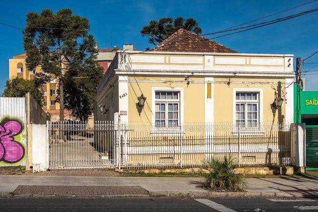Casa na Rua Bispo Dom José 2423
