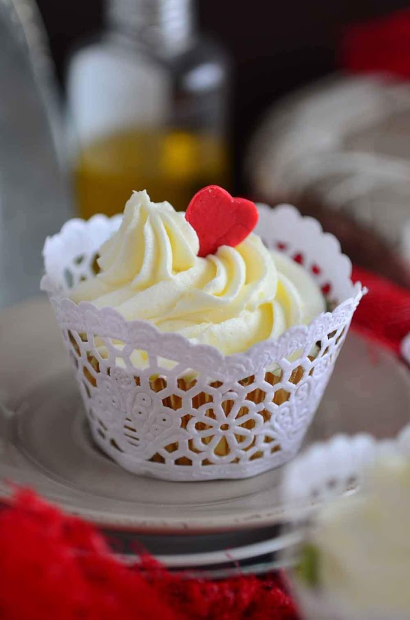 como hacer wrapper cupcakes con una blonda- plantilla descargable wrapper- wrappers casero- topper casero