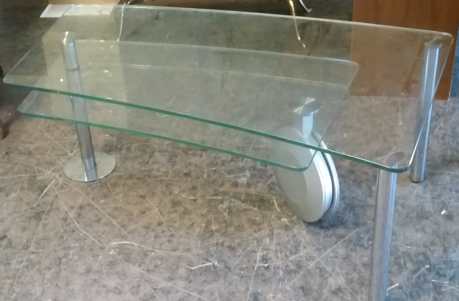 UHURU FURNITURE & COLLECTIBLES: SOLD Expandable Glass