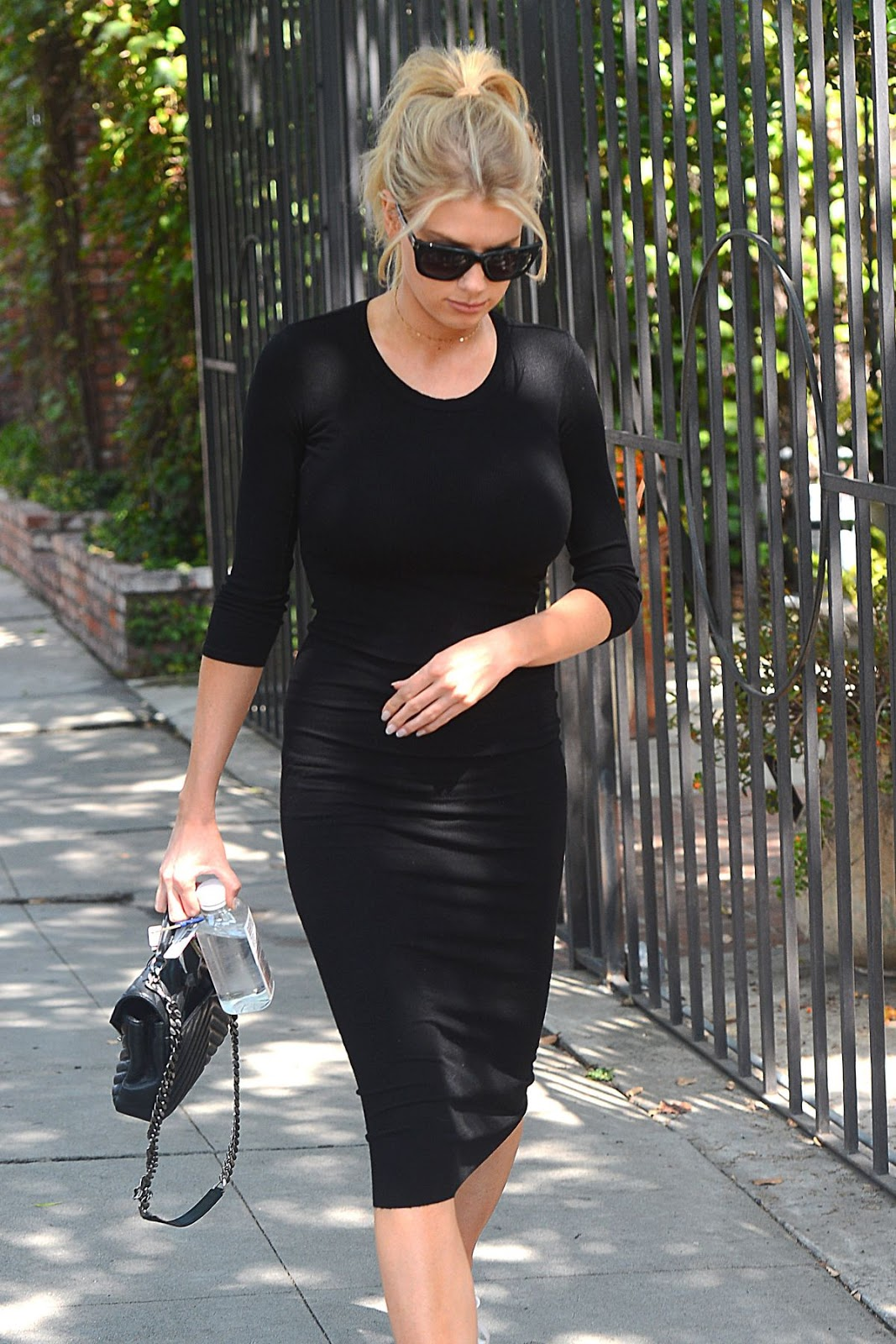 Charlotte Mckinney Leaves A Spa In Melrose Place