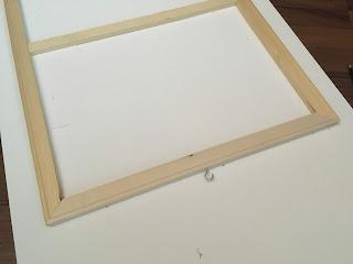 riisuttu maalauspohja kiinnitysvalmiina