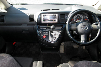 Interior Toyota Wish