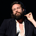 Father John Misty revela que su canción 'Real Love Baby' fue escrita para Lady Gaga