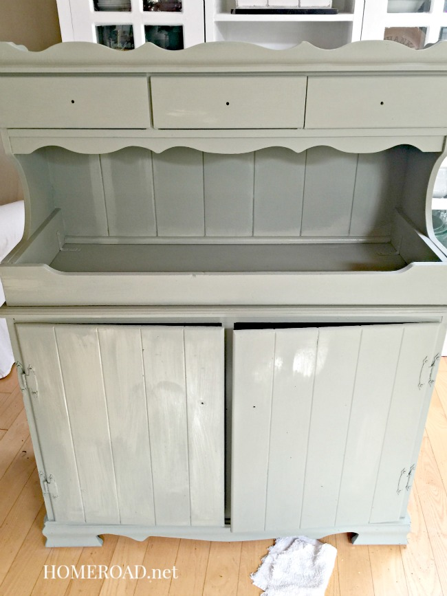 Painting a potting bench green