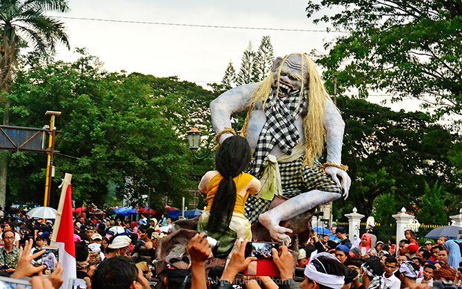 Salah satu Bhuta Kala/Raksasa di Festival Ogoh-ogoh Tahun 2017