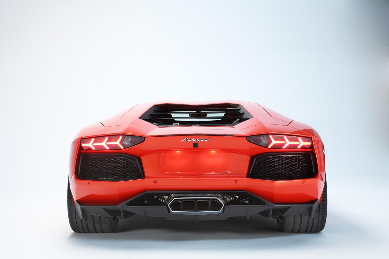 2012 Lamborghini Aventador LP700 - 4 Wallpapers - Car Wallpapers