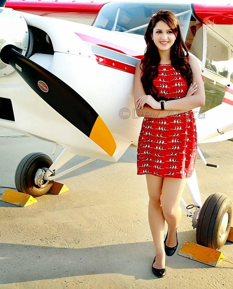HD Wallpapers Of Punjabi Celebrities: Isha Rikhi