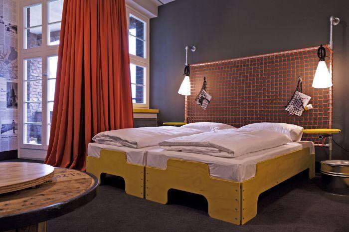decor me hostel superbude st pauli en hamburgo. Black Bedroom Furniture Sets. Home Design Ideas