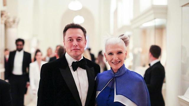 Elon Musk dengan sang Ibunda