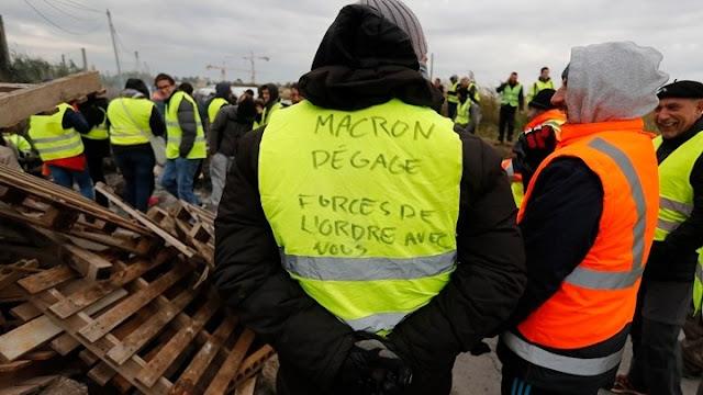 Ο Μακρόν έβγαλε το στρατό στο δρόμο εναντίον των Κίτρινων Γιλέκων