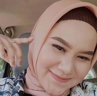 Anggun Pramudita Pakai Hijab