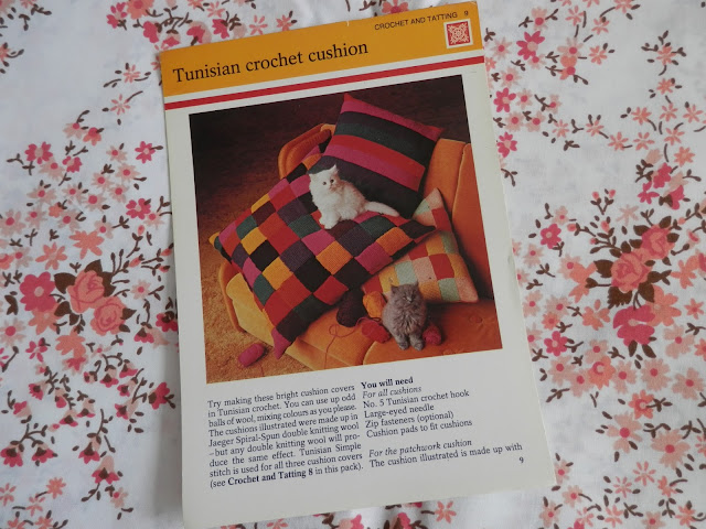Retro crochet and kittens.  secondhandsusie.blogspot.co.uk