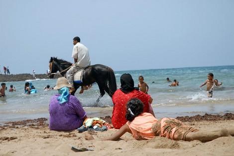 موقع إلكتروني يرصد جودة الشواطئ المغربية