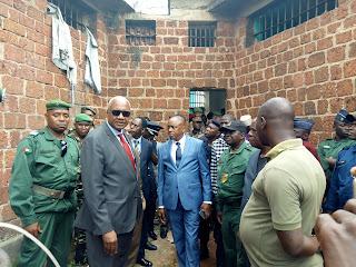 Visite du Monsieur le Ministre de la Justice à la prison civile de Kindia