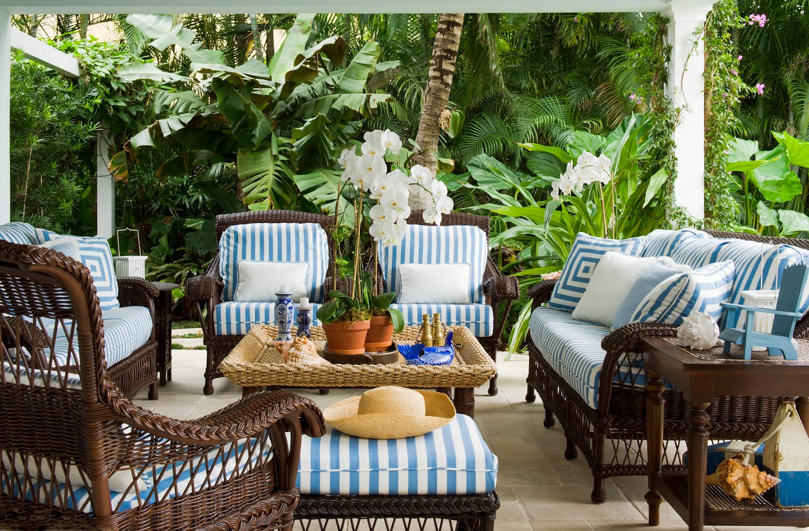 Blue and White Palm Beach Perfection - The Glam Pad