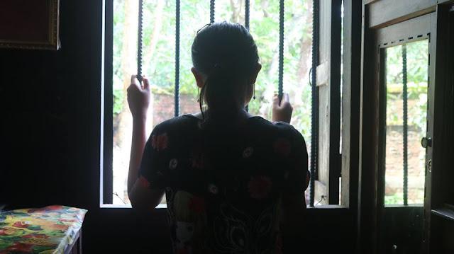 ထက္ေခါင္လင္း (Myanmar Now) ● ၁၁ ရက္ၾကာခိုးယူ မတရားက်င့္ခံရျခင္း