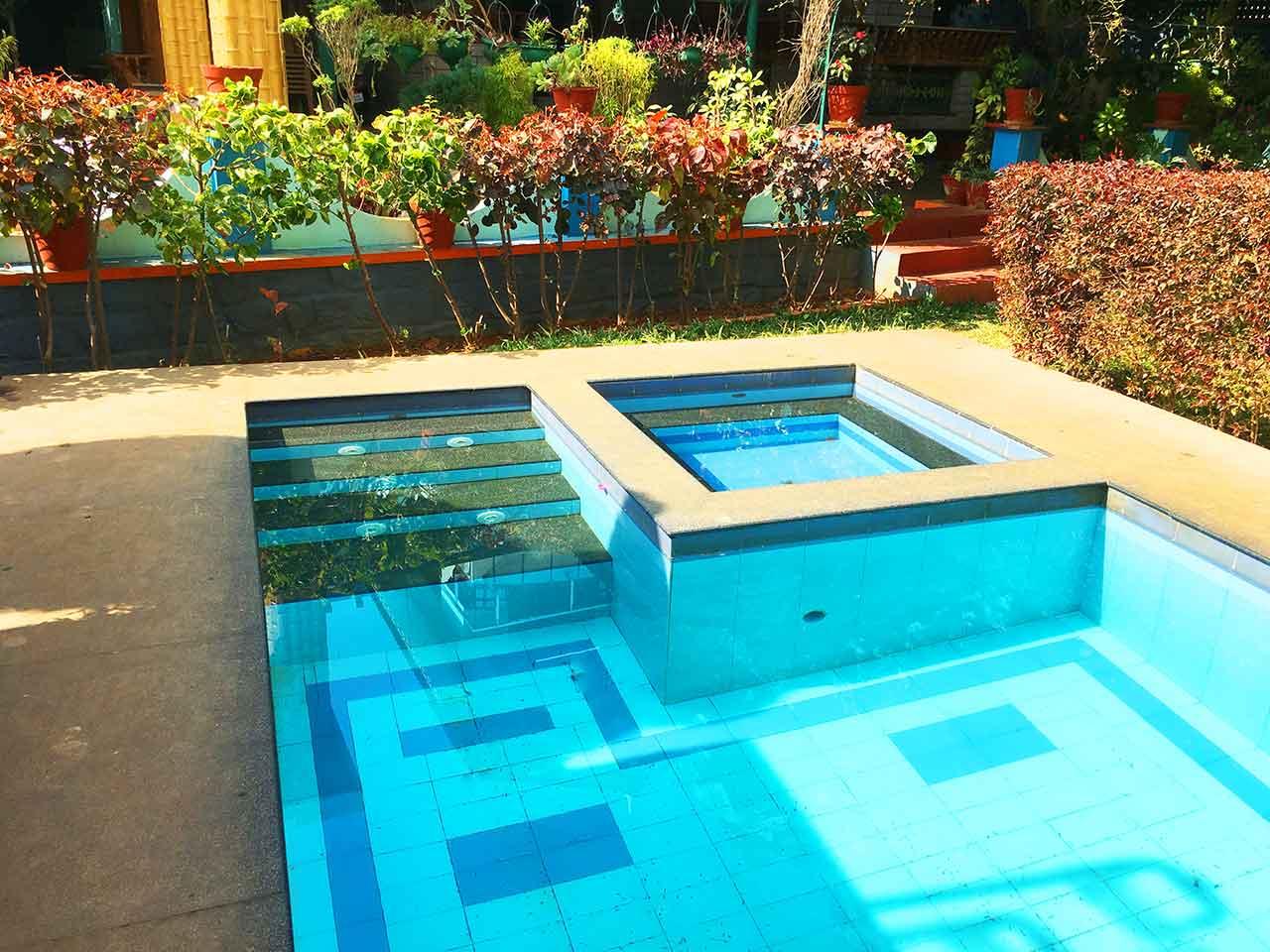 villa with swimming pool in yelagiri
