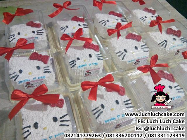 Souvenir Kue Ulang Tahun Kecil Tema Hello Kitty