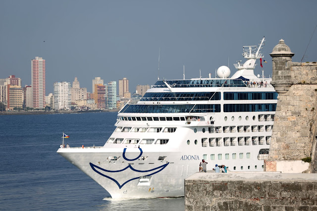 U.S. Carnival cruise ship Adonia arrives at the Havana bay, the first cruise liner to sail between the United States and Cuba since Cuba's 1959 revolution, Cuba, May 2, 2016. REUTERS/Alexandre Meneghini