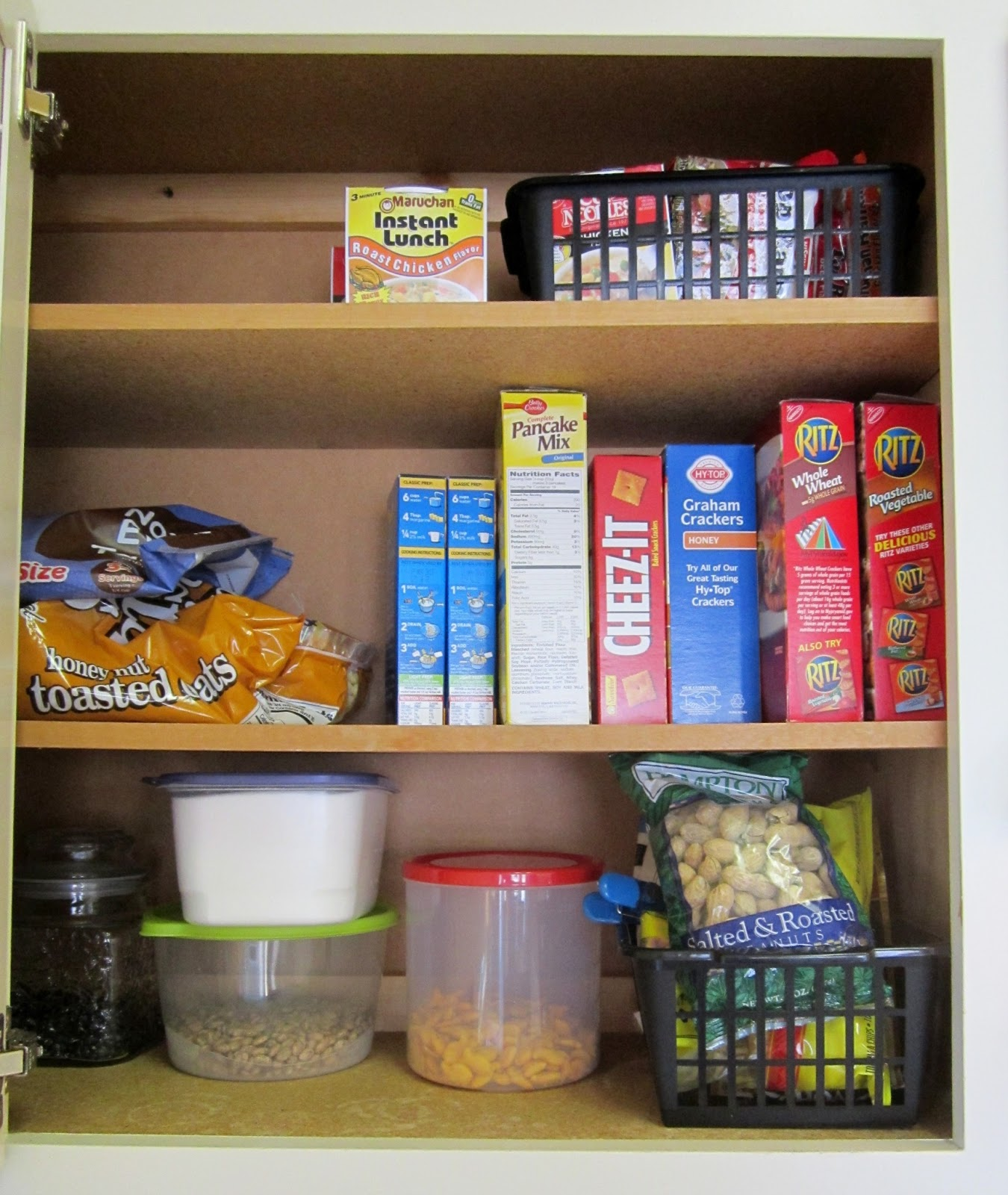 Restoration Beauty: Organizing Made Simple: Kitchen Cabinets