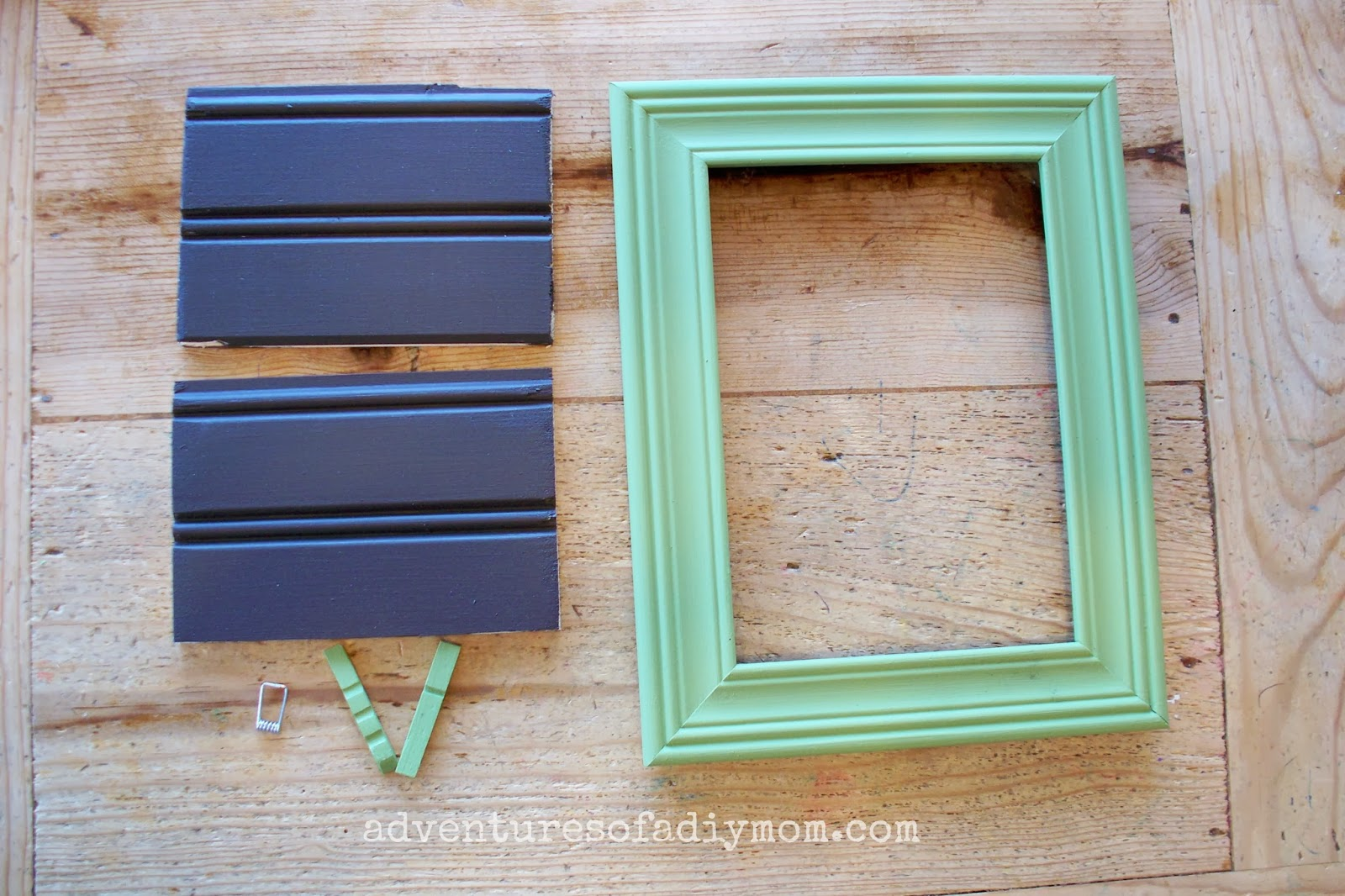 How to make a beadboard picture frame adventures of a diy mom how to make a recipe card holder frame jeuxipadfo Images