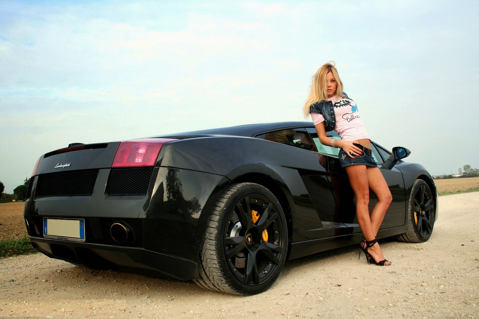 Sexy-girl-posing-with-black-car-HD-photo-wallpaper-download.jpg