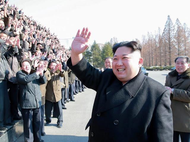 Coreia do Norte liberta três detidos americanos